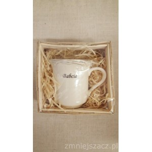 Kubek porcelanowy z napisem BABCIA